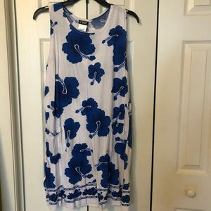 Floral flowy dress with pockets